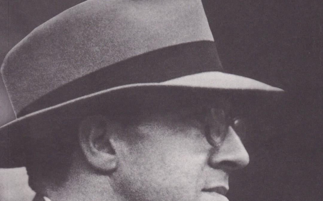 5 de enero de 1994: Premio Ateneo de Sevilla por la Biografía de León Castro